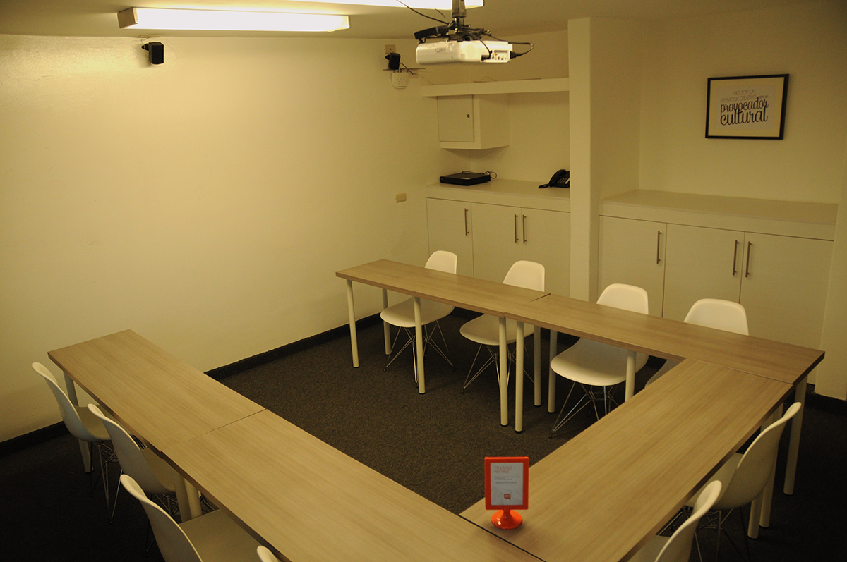 Sala-Capacitación-WorkHere-Coworking